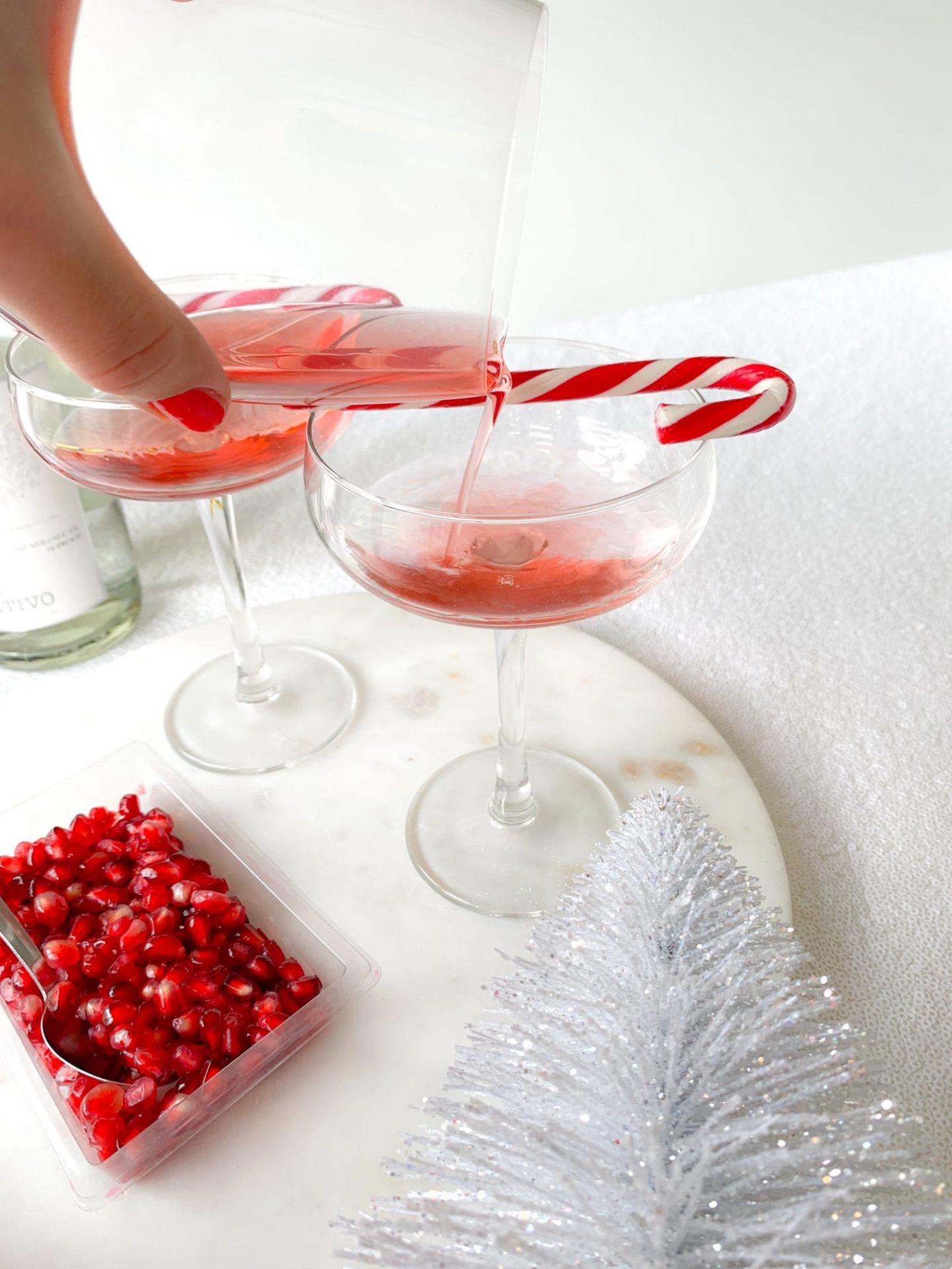 Pomegranate Fizz Christmas Cocktail Recipe