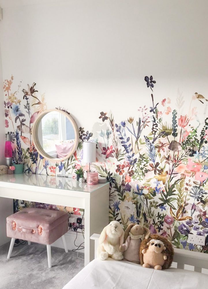Set the scene with bold wallpaper