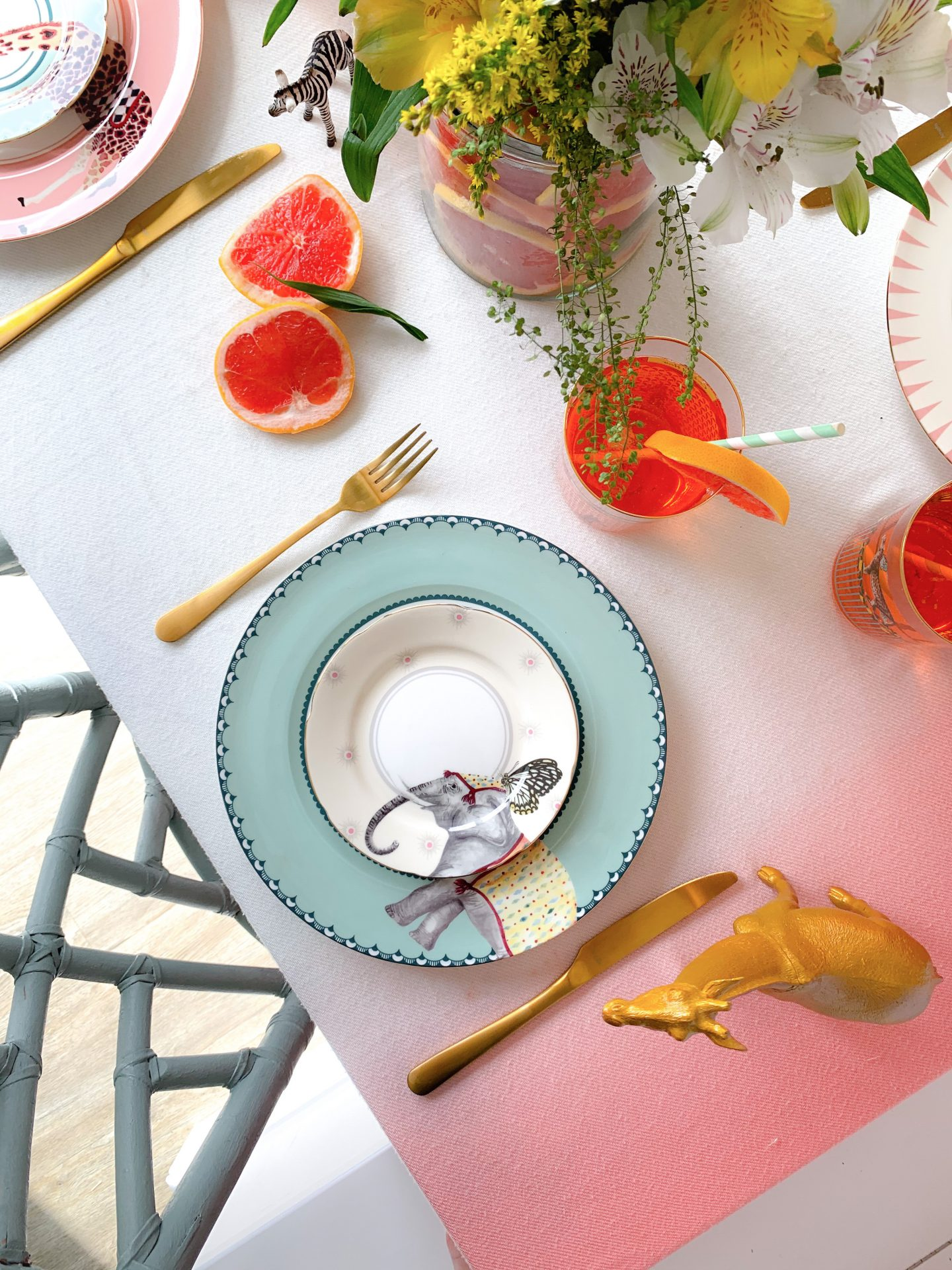 ANIMAL FAIR TABLESCAPE WITH YVONNE ELLEN