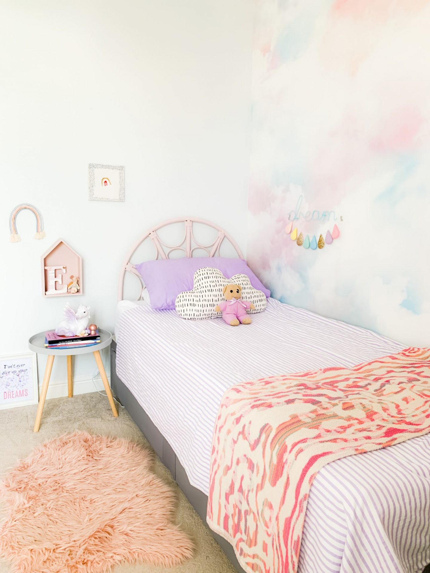 GIRL'S BEDROOM TOUR