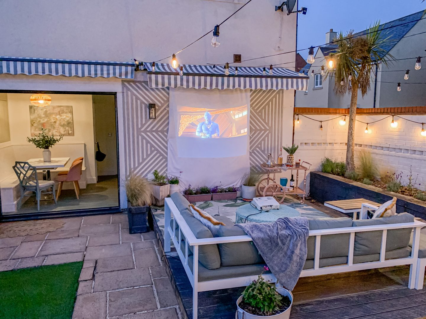 10 TOP TIPS FOR CREATING THE PERFECT HOME CINEMA